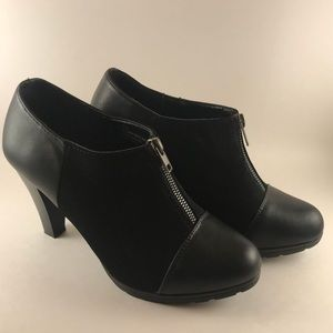 Black leather and suede ankle boots Sz 7 1/2W